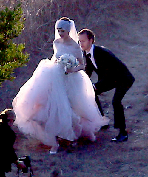 Anne Hathaway Wedding.More Pics Of Anne Hathaway Wedding Dress 7 Of 52 Anne Hathaway