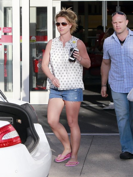 More Pics of Britney Spears Denim Shorts (1 of 27) - Denim Shorts Lookbook - StyleBistro