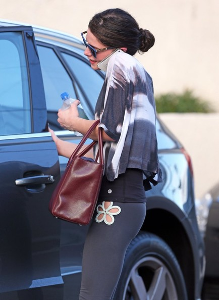 More Pics of Ashley Greene Leggings (3 of 24) - Ashley Greene Lookbook - StyleBistro