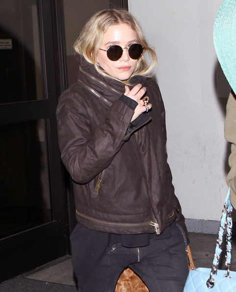 Ashley Olsen Round Sunglasses []
