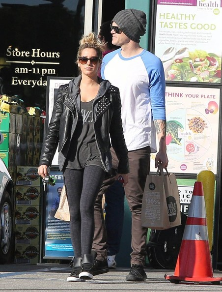 More Pics of Ashley Tisdale Leather Sneakers (1 of 15) - Leather Sneakers Lookbook - StyleBistro
