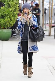 Ashley Tisdale chose plain black leggings for a lunch at Urth Caffe.