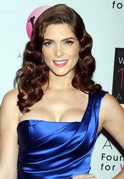 Ashley Greene modernized her retro glam look with bubblegum pink lipstick at the Avon Foundation Awards gala.