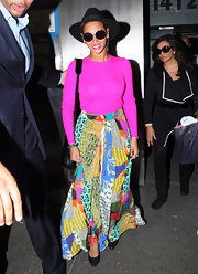 Beyonce brought some color to NYC in this gorgeous print maxi-skirt.