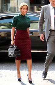 Beyonce teamed her fetching polka dot dress with classic black platform peep-toes.