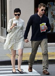 Ginnifer Goodwin stepped out for a coffee in NYC wearing comfy black flats with peep toes.