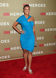 Eva la Rue looked modern at the 2011 CNN Heroes Tribute in a bright blue dress with an asymmetrical neckline.