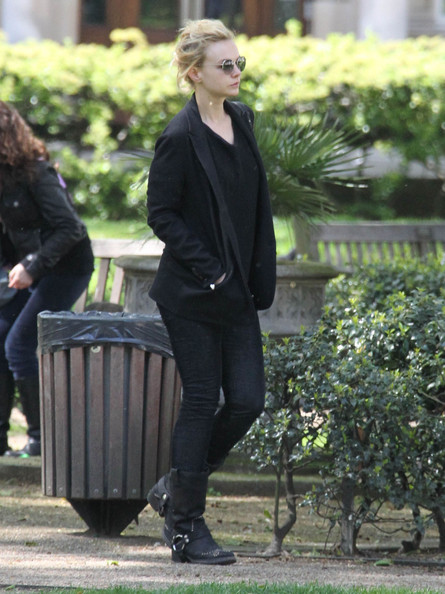 More Pics of Carey Mulligan Mid-Calf Boots (1 of 16) - Carey Mulligan Lookbook - StyleBistro