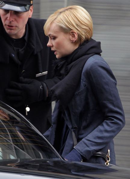 More Pics of Carey Mulligan Wool Scarf (1 of 10) - Carey Mulligan Lookbook - StyleBistro