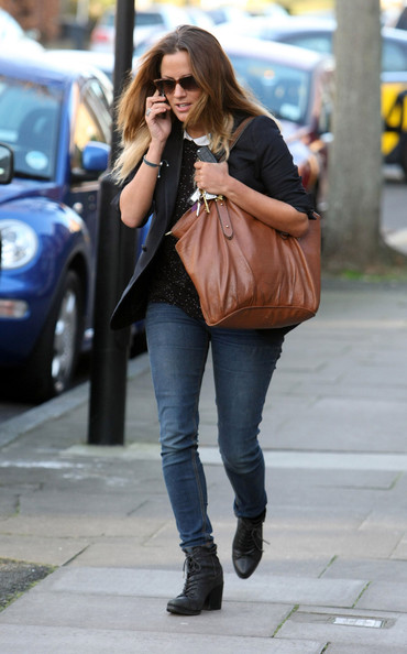 More Pics of Caroline Flack Leather Tote (1 of 6) - Caroline Flack Lookbook - StyleBistro