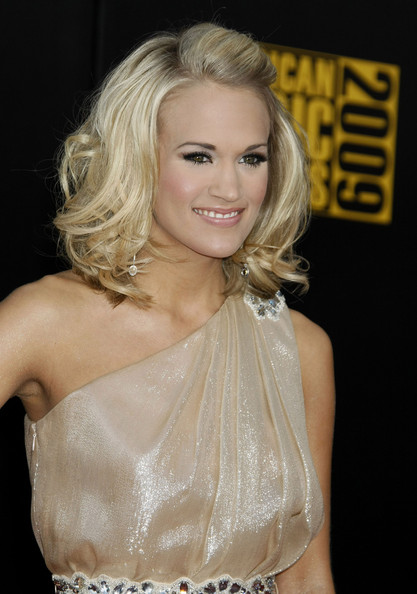 carrie underwood hairstyles. Carrie Underwood Hair