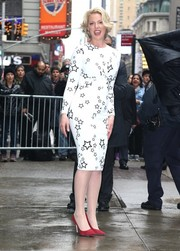 Katherine Heigl looked vibrant and stylish in her By Johnny star-print dress while visiting 'Good Morning America.'