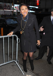 Robin Roberts looked edgy-chic on 'Good Morning America' in a black trenchcoat and boots.