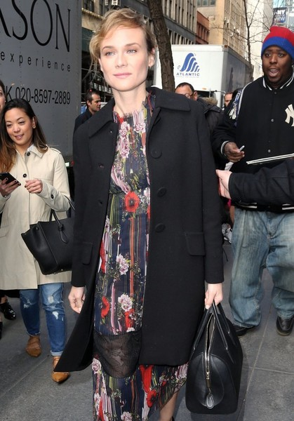 Diane Kruger was spotted outside the 'Today Show' studio carrying a simple yet elegant leather bowler bag.