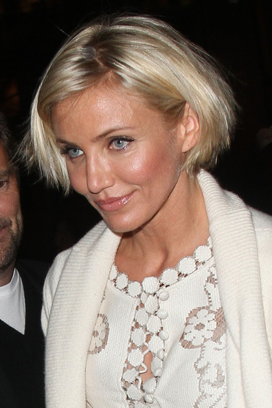 Cameron Diaz topped off her look with a short blonde bob.