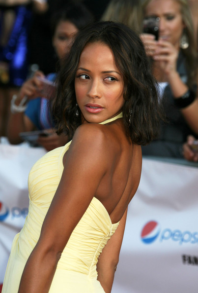 Dania Ramirez Medium Wavy Hairstyles For Black Women 2009 Picture