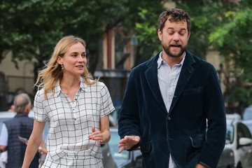 Diane Kruger Joshua Jackson Diane Kruger and Joshua Jackson Out For a Stroll