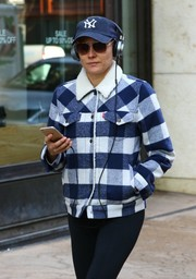 Diane Kruger took a stroll in New York City wearing a pair of brown aviators and a Yankees baseball cap.