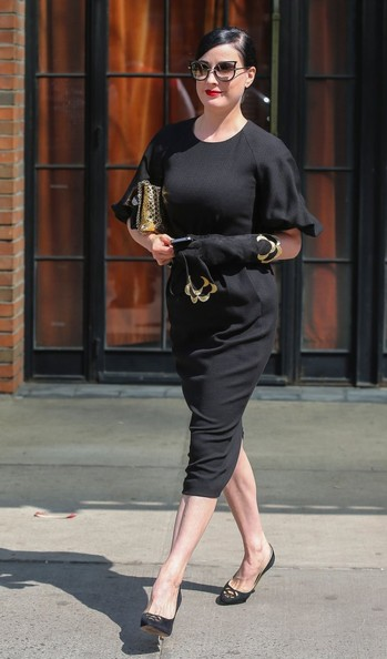 More Pics of Dita Von Teese Leather Gloves (2 of 12) - Leather Gloves Lookbook - StyleBistro []