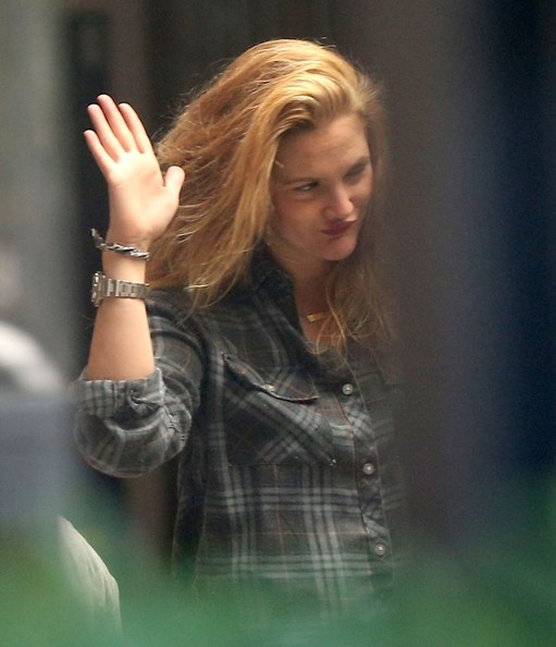 Drew Barrymore Goes Back to Blonde