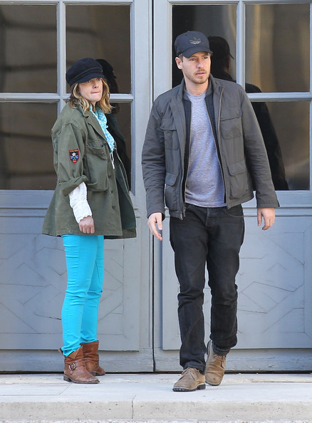 More Pics of Drew Barrymore Skinny Jeans (2 of 39) - Drew Barrymore Lookbook - StyleBistro