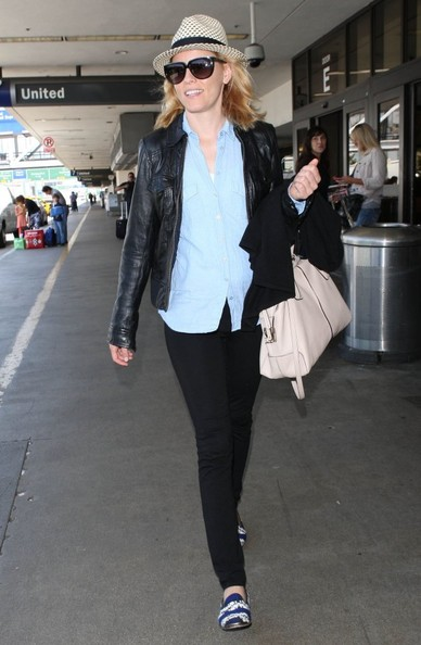 More Pics of Elizabeth Banks Leather Jacket (1 of 15) - Elizabeth Banks Lookbook - StyleBistro