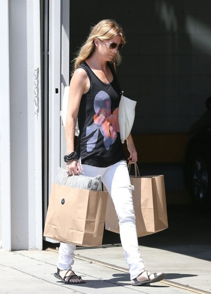 More Pics of Ellen Pompeo Skinny Jeans (1 of 12) - Skinny Jeans Lookbook - StyleBistro