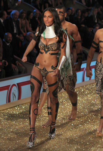 2010 Victoria's Secret Fashion Show - Runway 2