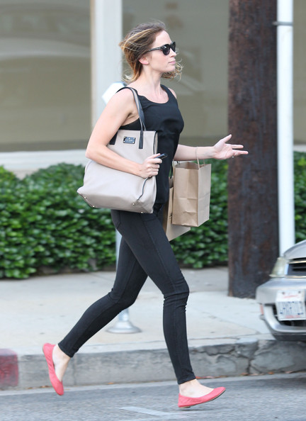 More Pics of Emily Blunt Rectangular Sunglasses (1 of 14) - Emily Blunt Lookbook - StyleBistro