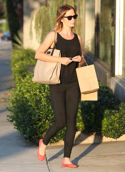 More Pics of Emily Blunt Ballet Flats (4 of 14) - Emily Blunt Lookbook - StyleBistro