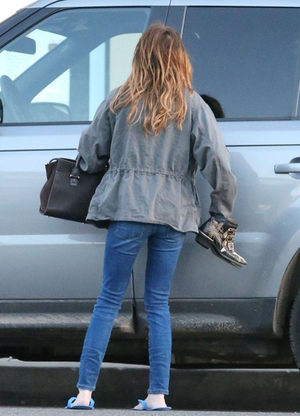 More Pics of Emma Roberts Utility Jacket (1 of 19) - Utility Jacket Lookbook - StyleBistro
