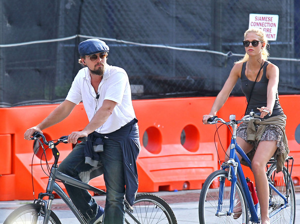 Leo & Erin Share A Romantic Sunset Bicycle Ride