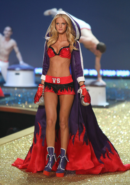Erin Heatherton Clothes