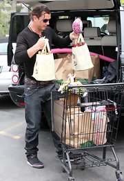 Gavin was on grocery duty but still looked hot in a fitted henley, jeans and velcro canvas sneakers.