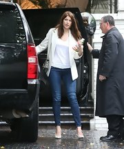 The epitome of smart-casual, Gemma rounded off a sharp blazer with perfectly-tailored skinnies.
