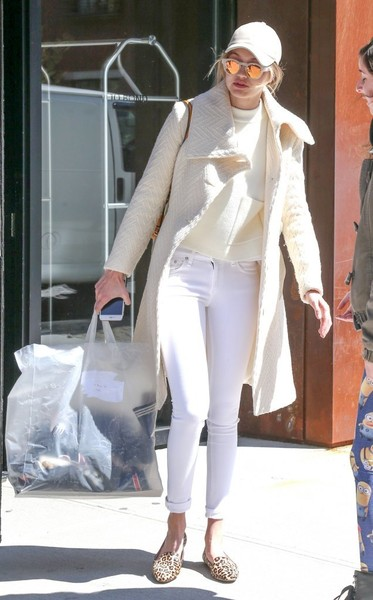 Gigi Hadid Skinny Jeans [white,jeans,fashion,fashion accessory,outerwear,textile,sunglasses,vision care,shoe,eyewear,shirt,jeans,fashion accessory,outerwear,t-shirt,gigi hadid,gigi hadid out and about,baseball cap,fashion,nyc,t-shirt,shirt,baseball cap,clothing,fashion,white,celebrity,pants,cap,jeans]