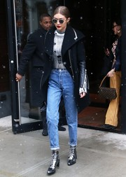 Gigi Hadid made boyfriend jeans look so stylish with this Re/Done pair!