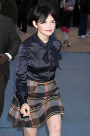 Ginnifer Goodwin appeared on 'Good Morning America' wearing small silver and diamond pinch hoop earrings to complement her silky blouse and and adorable plaid skirt.