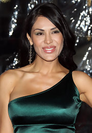 Carla Ortiz showed off stunning gold earrings at the premeire of 'Gulliver's Travels'.