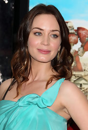 Emily Blunt showed off brunette curls at the premiere of 'Gulliver's Travels.'