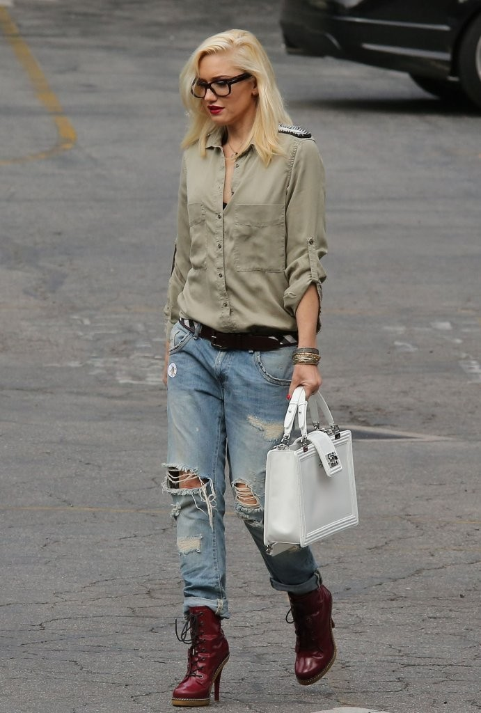Gwen Stefani Keeps Things Casual in LA