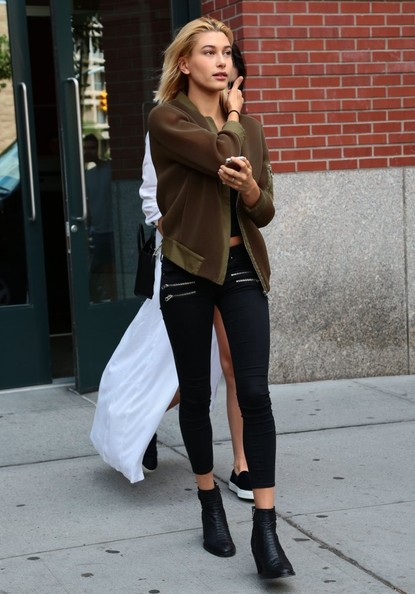 Hailey Bieber Bomber Jacket [clothing,street fashion,jeans,snapshot,footwear,shoulder,fashion,leg,outerwear,tights,leggings,jeans,shoe,kendall jenner,hailey baldwin,members,family,modeling career,reasons,new york city,blazer,leggings m,denim,jeans,shoe,socialite,leggings]