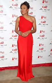 Robin Roberts wore a stunning red one-shoulder gown to the Heart Truth Red Dress fashion show.
