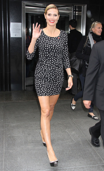 More Pics of Heidi Klum Print Dress (1 of 8) - Heidi Klum Lookbook - StyleBistro