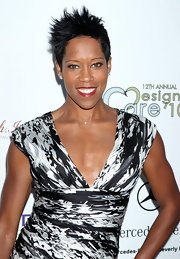 Regina King showed off her short pixie cut, while hitting the red carpet.