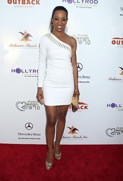 Shaun Robinson got gilded at the HollyRod Foundation event in metallic gold peep-toe pumps.