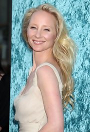 Anne Heche showed off her long blonde curls while hitting the premiere of Hung.