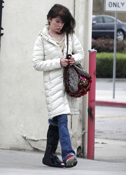 More Pics of Lara Flynn Boyle Down Jacket (4 of 14) - Lara Flynn Boyle Lookbook - StyleBistro