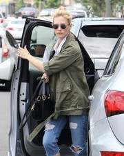 January Jones was spotted in Yokohama Sunset sunglasses in Platinum by Etnia Barcelona.