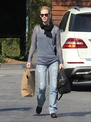 January Jones looked cool and casual in a basic crewneck knit top.
